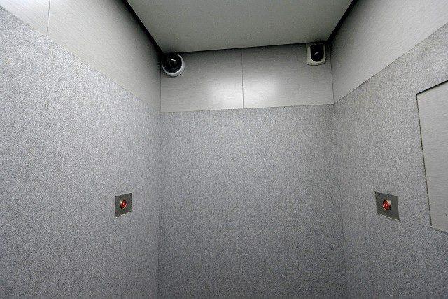 ライオンズマンション上北沢502号室 エレベーター (1)