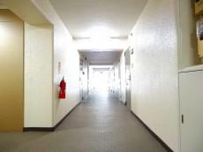 メガロン大井町 内廊下