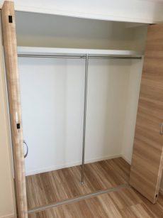 赤堤スカイマンション 洋室約6.1帖収納