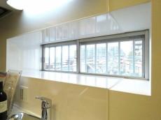 ハイネス大久保 キッチンの窓
