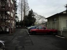 弦巻ハイツ 駐車場