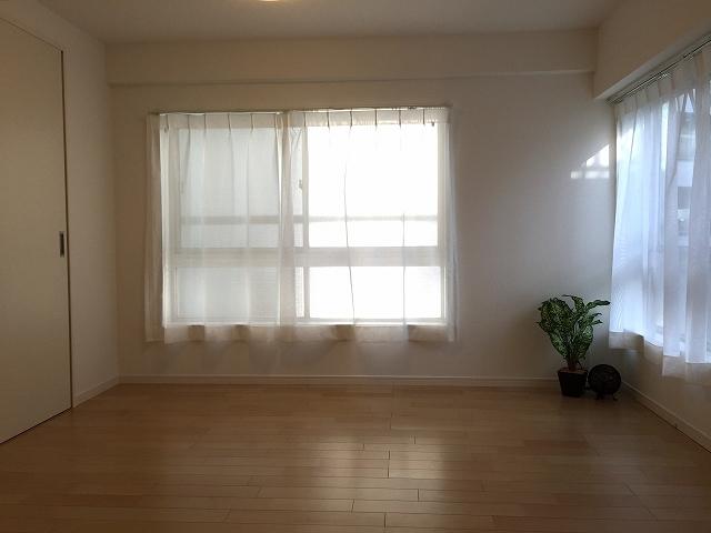 荻窪武蔵野マンション 南側洋室