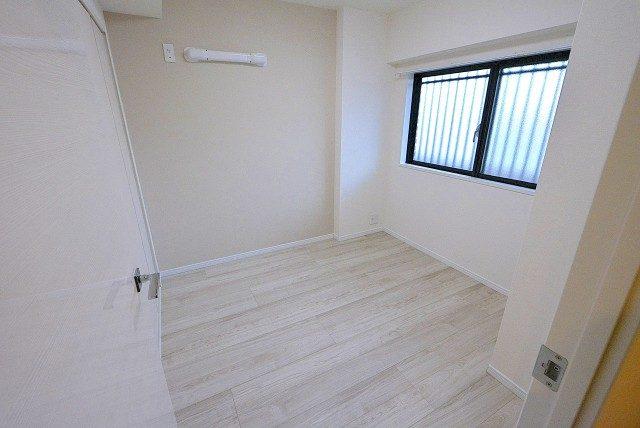 ライオンズマンション上北沢502号室 洋室1 (2)
