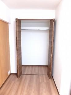 六本木ハイツ 洋室1