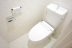 シャンボール原宿 ウォシュレット付きトイレ