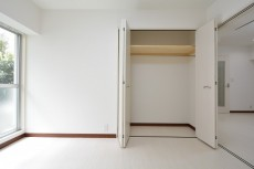 シャンボール原宿 洋室約6帖