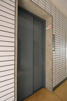 上馬フラワーホーム エレベーター