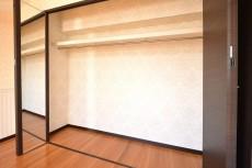 マンション南恵比寿 6.8帖のベッドルーム クローゼット