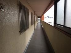 ライオンズマンション初台 外廊下