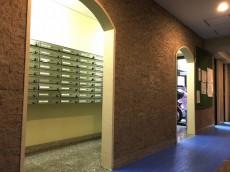 ライオンズマンション初台 エントランスホール