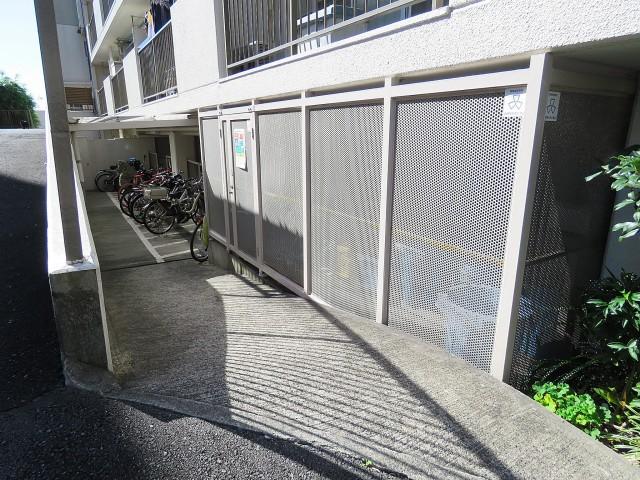 財形第3御殿山マンション 駐輪場