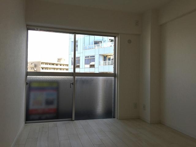 ライオンズマンション北新宿 洋室約6帖