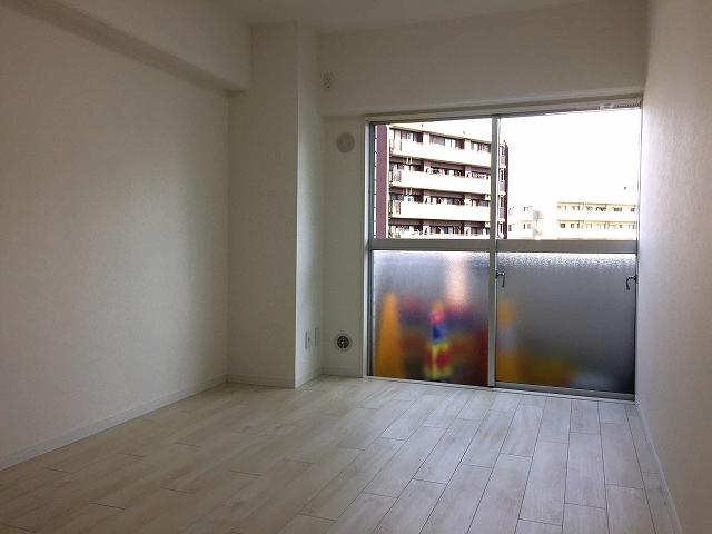 ライオンズマンション北新宿 洋室約5帖