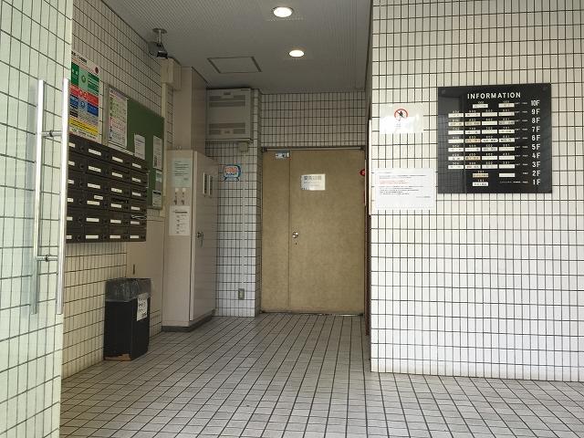 ライオンズマンション北新宿 エントランスホール