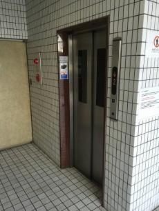 ライオンズマンション北新宿 エレベーター