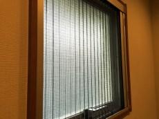ヴィラロイヤル代々木 玄関窓