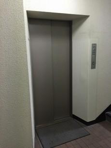 ヴィラロイヤル代々木 エレベーター