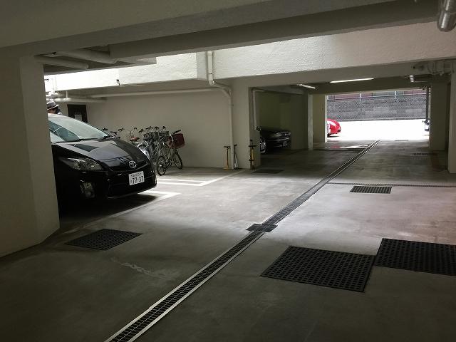 ヴィラロイヤル代々木 駐車場