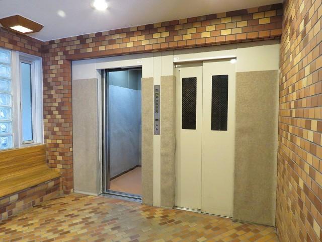 ソフトタウン池袋 エレベーター