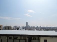 ファミール太子堂 洋室約6.4帖からの眺望