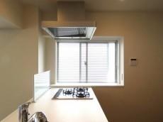 ファミール太子堂 キッチン横の窓
