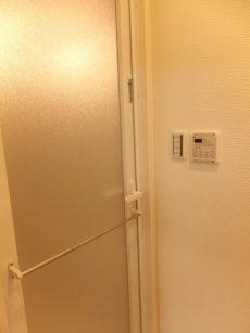 白金台グロリアハイツ バスルームへ