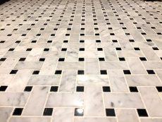 ノア三田 (44) 洗面室とトイレの床はこんなデザインです ここもレトロですね
