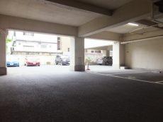 白金台グロリアハイツ 駐車場