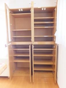 センチュリー巣鴨 食器棚