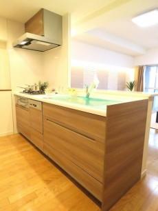 洗足ミナミプラザ 対面式キッチン