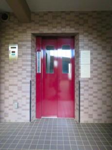 ナイスアーバン石川台 エレベーター