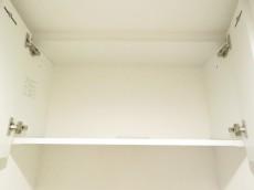 ナイスアーバン石川台 トイレの吊戸棚