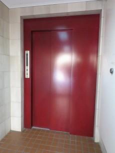 ユニーブル明大前 エレベーター