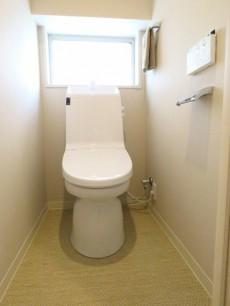 六本木ハイツ ウォシュレット付きトイレ