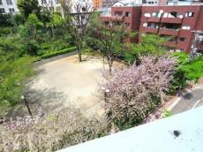 六本木ハイツ 公園