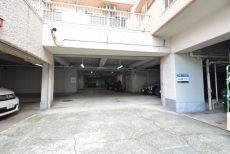 マンション五反田 駐車場
