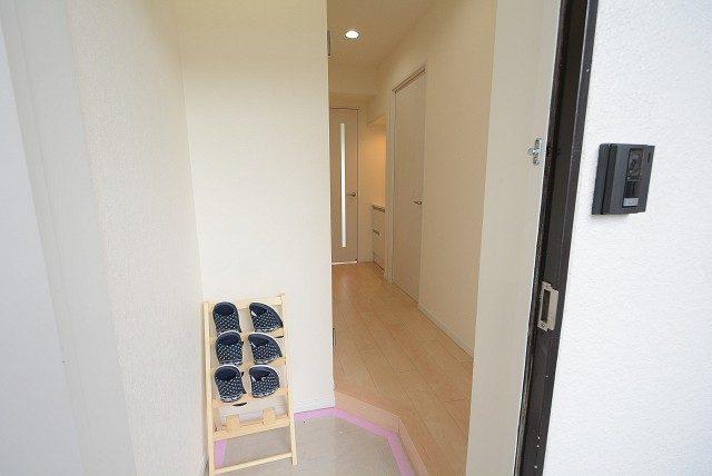 中銀桜新町マンシオン 玄関