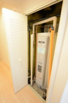 藤和大久保コープ (48)温水器