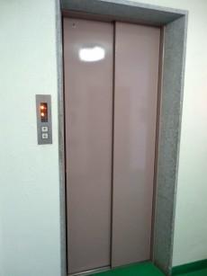 秀和都立大レジデンス エレベーター