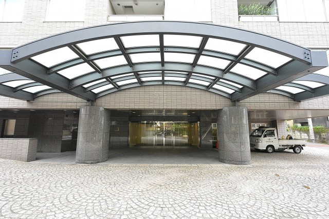 松濤アパートメント_エントランス