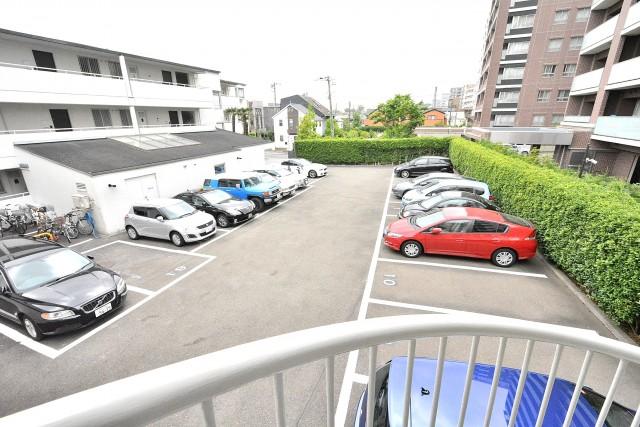 クレール桜新町 駐車場