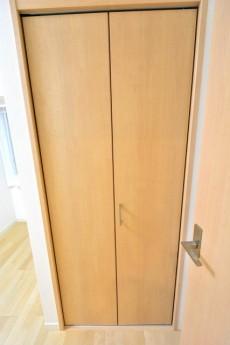 ヴィア・シテラ新宿 洋室1