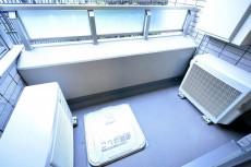 松濤アパートメント_6.0帖のベッドルームバルコニー