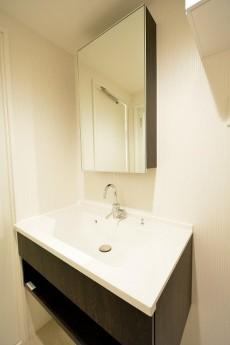 リレント新宿 洗面台