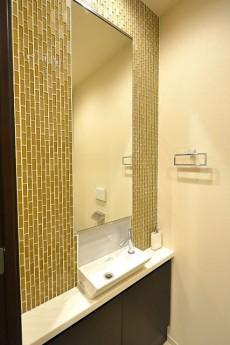赤坂タワーレジデンス Top of the Hill トイレの手洗いカウンター