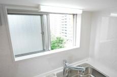 リレント新宿 キッチン窓