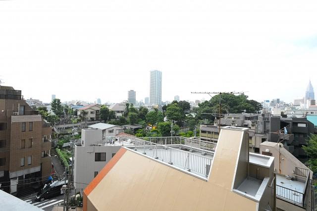 リレント新宿 バルコニー眺望