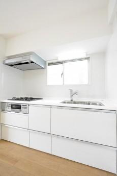 リレント新宿 キッチン