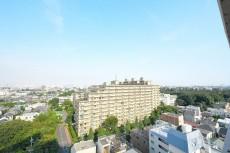 ライオンズマンション駒沢 5.1帖洋室側のバルコニー眺望