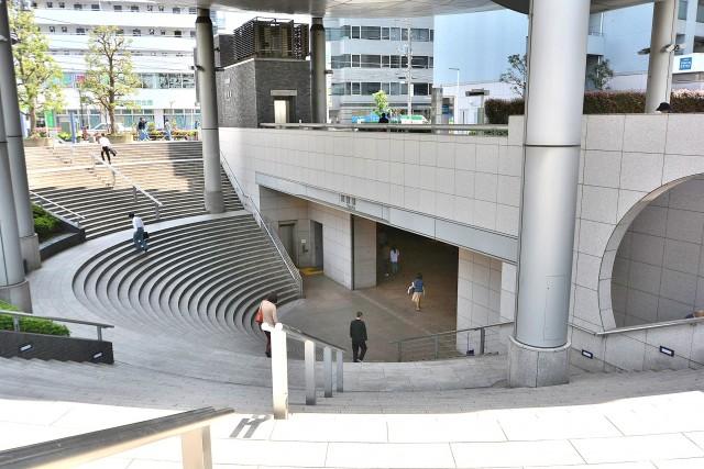 グランド・ガーラ用賀 駅